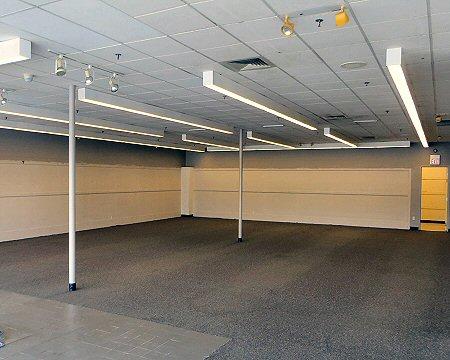 Auburn Plaza interior 2